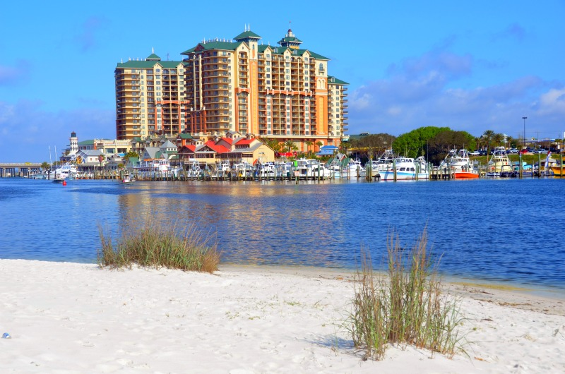 The Emerald Grande Resort on Destin Harbor