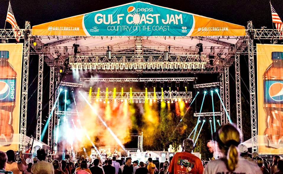 Pepsi Gulf Coast Jam lighted stage and audience