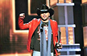 Country singer Jason Aldean at Gulf Coast Jam