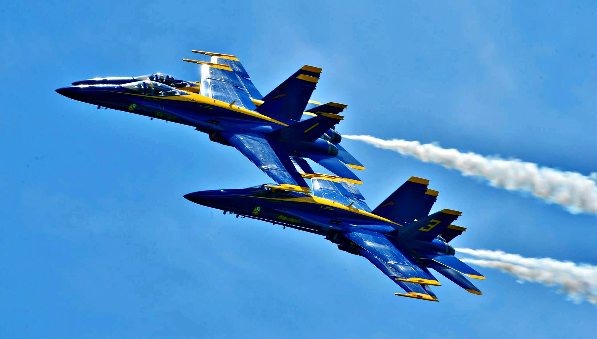 The Blue Angels flying in the Diamond 360 formation