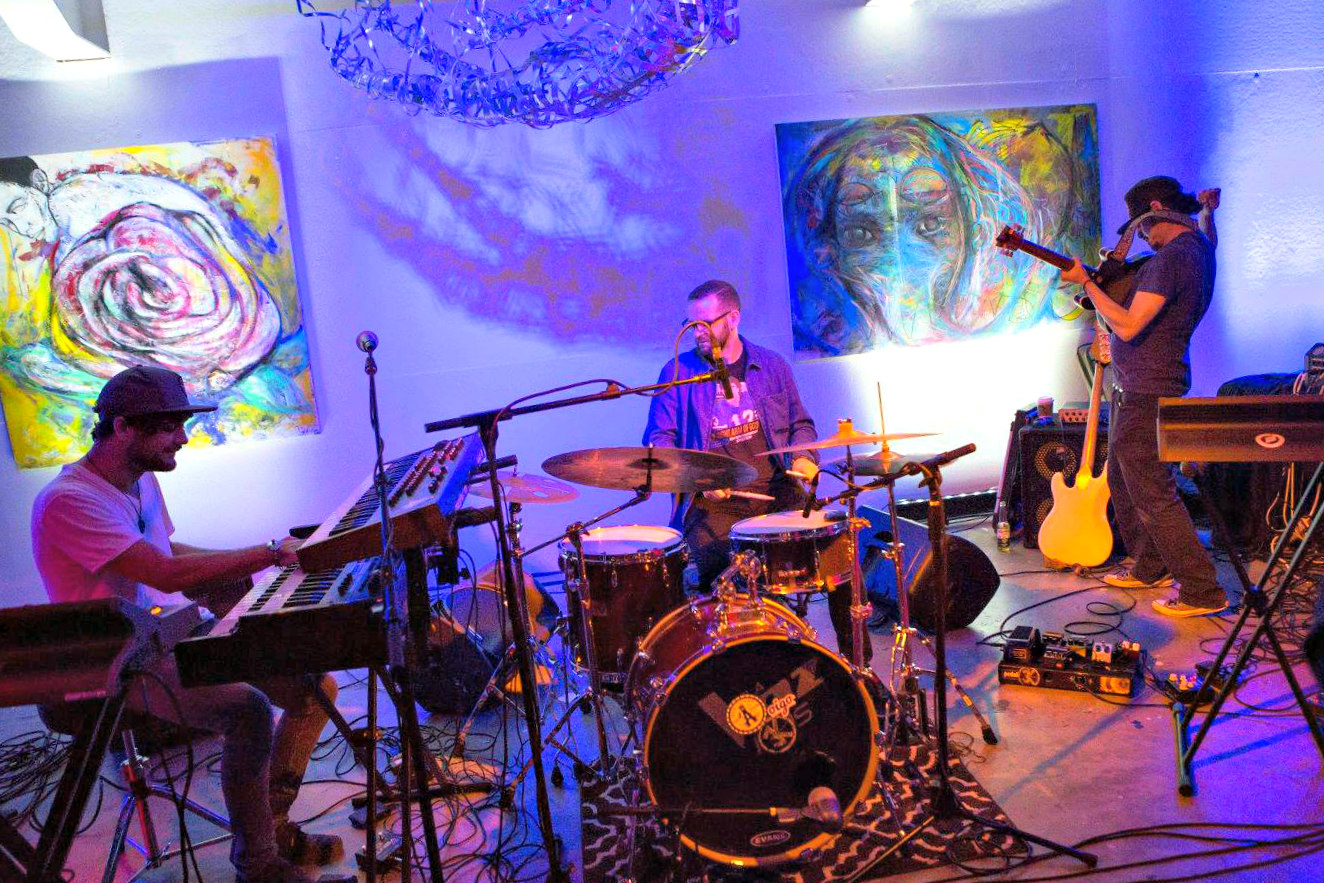 """Live entertainment and art at Naple Art Association fundraiser """"For the Love of Art"""""""